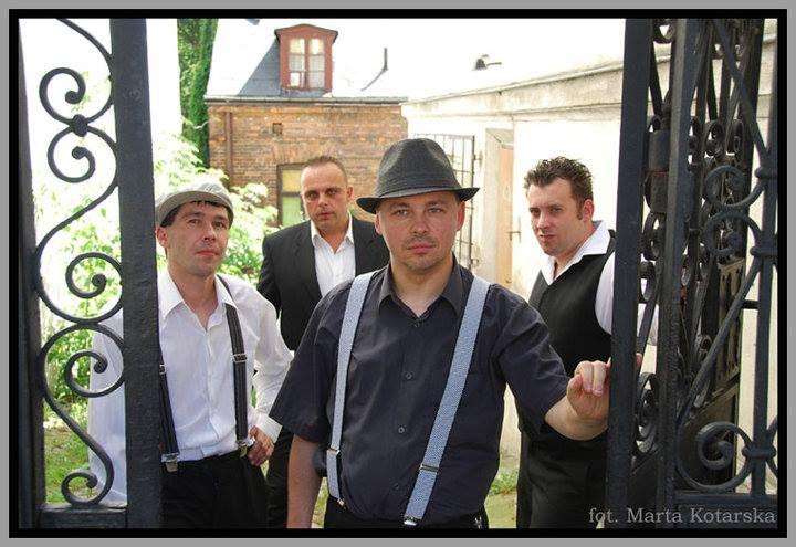 27 listopada (piątek) zapraszamy gorąco na koncert: FARBEN LEHRE +support Start 20:00 Bilety 25/30 pln. Oficjalna strona zespołu: http://www.farbenlehre.plocman.pl/
