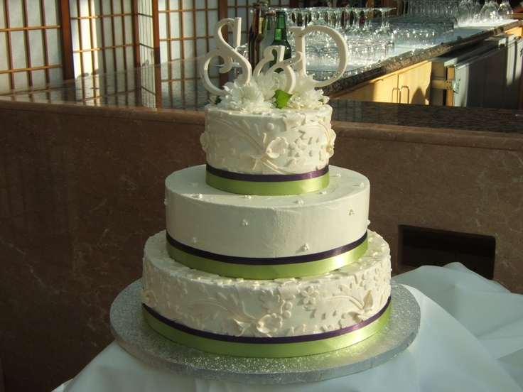 Green Brown White Wedding Cake Wedding Cakes Pinterest Green Th