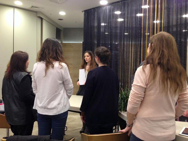 """08 Mart Dünya Kadınlar Günü'ne özel """"Sağlık ve Güzellik"""" etkinliğimizde, Uzm. Psikolog Lora Benbiçaço sporun kadınlar üzerindeki psikolojik etkilerini gösteren küçük egzersizler yaptırdı..."""