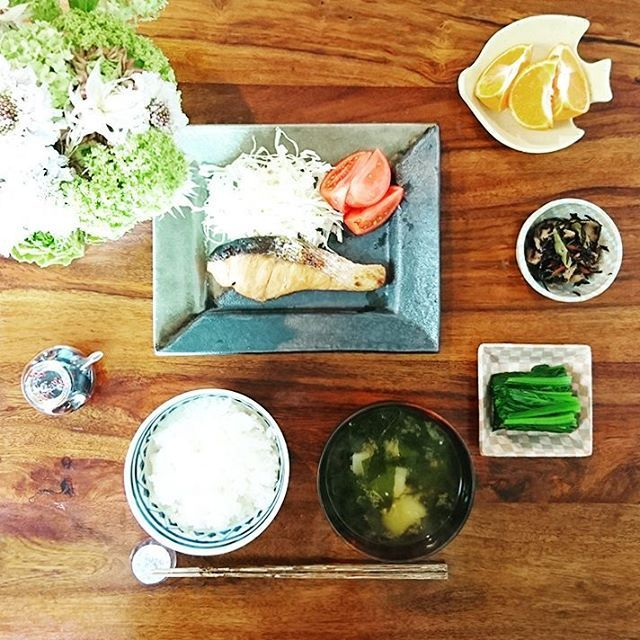 「ふみ飯」は器も素敵。木村文乃さんから学ぶおしゃれな食卓の作り方 | iemo[イエモ]