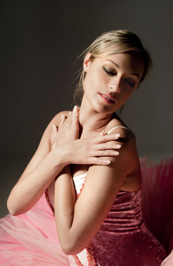 Stella #model #portrait #studio #fashion #woman #photo #tommymorosetti