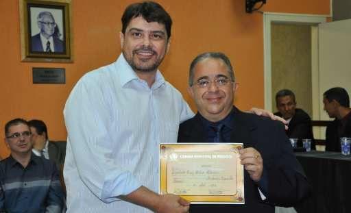Notícia: Deputado Fábio Cherem é agraciado com o Título de Cidadão Honorário de Perdões - Jornal de Lavras