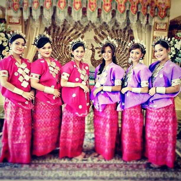 .@_malindadh | Bridesmaids | Webstagram - the best Instagram viewer