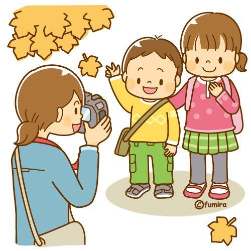 写真を撮るママと子供たち(ソフト)