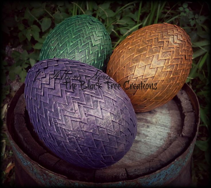 Uova di drago  Chi le riconosce ? Dragons eggs : Who recognizes them?