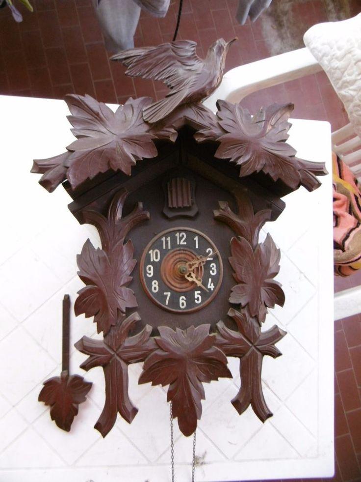 grand coucou for t noir horloge ancienne en bois sans ces. Black Bedroom Furniture Sets. Home Design Ideas