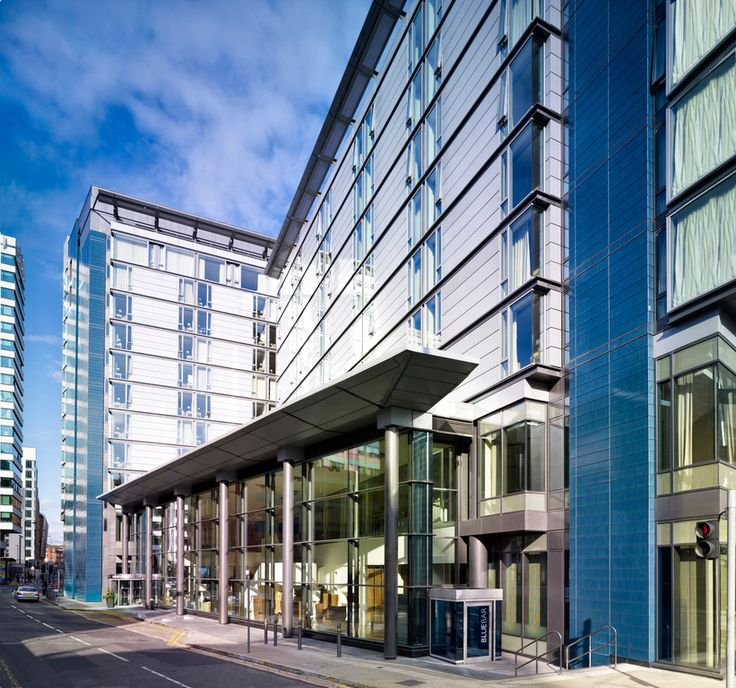 Welcome to DoubleTree by Hilton Hotel Manchester – Piccadilly. This stylish and convenient Manchester hotel is located in the heart of the city center, close to all local attractions, business district, shopping and nightlife.