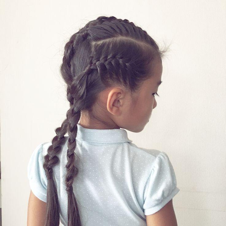 🖤▫️🖤▫️🖤▫️🖤▫️🖤▫️🖤▫️🖤▫️🖤▫️🖤 #ノットアレンジ な#おさげ    前髪とサイドを4つに分けて  それぞれ#表編み込み ♡  編み終わりで#ケルトノット にして  残った髪は#三つ編み に…♡ #hairforkids#girlsfashion#braidforschool#girlshairstyles#Daily#hairfortoday#braidsforgirls #braidsforlittlegirls#女の子の髪型#ヘアアレンジ#毎日の髪型#小学生#1年生#7歳#子どものヘアアレンジ#子供の髪型#キッズヘア#キッズヘアアレンジ#まとめ髪#Celtknotbraid#pigtails やっぱり#水引ヘア