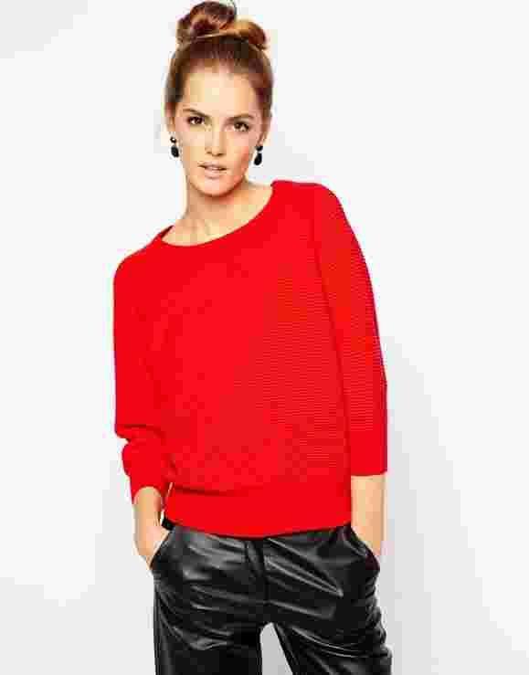 Пионерская зорька: одежда и аксессуары красного цвета