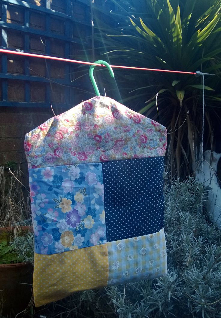 Pretty patchwork pegbag based on a pattern from Christina Leech's book Little Sew and Sew