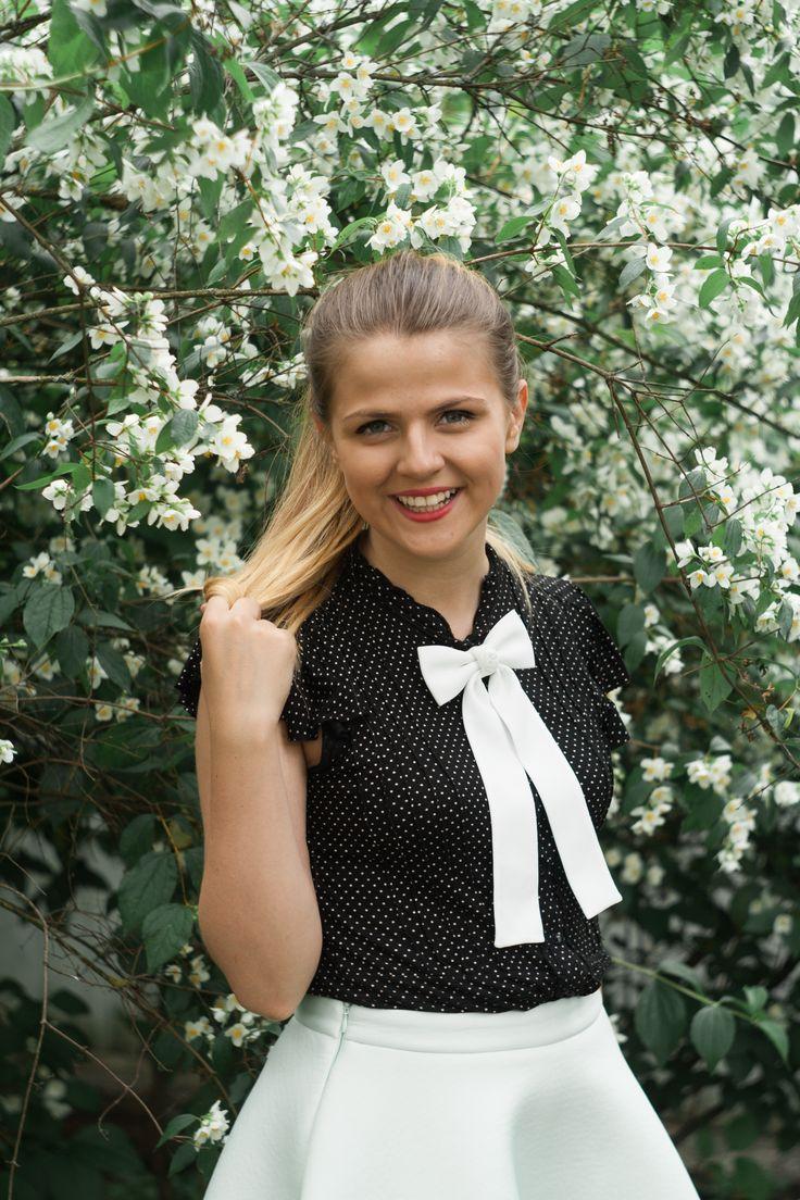 Black & White and a gorgeous women`s bowtie! <3 #fashionstyle #etsy #bowsbyvaniaszasz