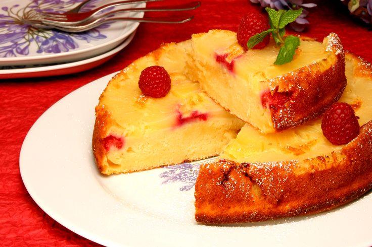 Receita de Bolo de ananás. Descubra como cozinhar Bolo de ananás de maneira prática e deliciosa com a Teleculinaria!