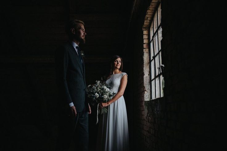 """187 gilla-markeringar, 6 kommentarer - Loke Roos bröllopsfotograf (@lokeroos) på Instagram: """"Sometimes rain force you to think in a whole new way and that is one thing I love about wedding…"""""""