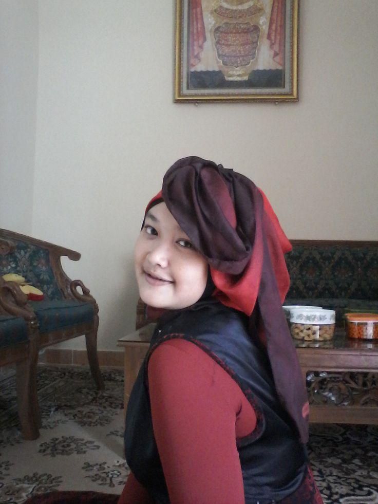 S.E.N.Y.U.M  jangan pelit untuk tersenyum ya,   senyum itu bisa bikin awet muda plus ibadah lho :)