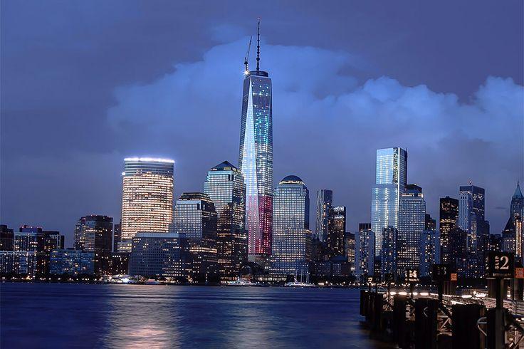 Всемирный торговый центр-1, или Башня Свободы / Нью-Йорк, США  Высота — 541 м, 104 этажа Башня Свободы — главное и самое высокое здание нового комплекса Всемирного торгового центра, который построен на месте разрушенного во время террористического акта 11 сентября 2001 года. Интересно, что высота башни — 1776 футов и именно в 1776 году была принята Декларация независимости США.