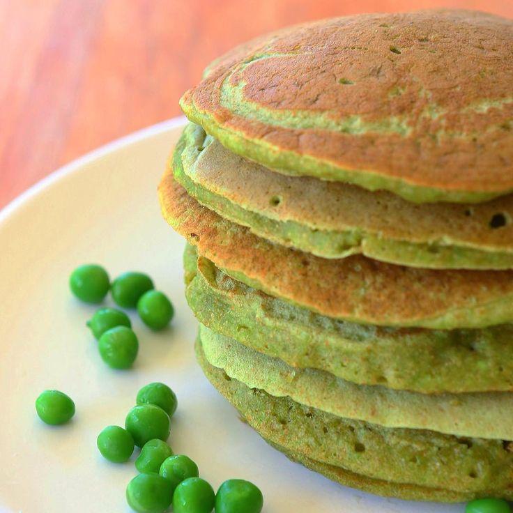 🍃Green Pancakes🍃 ✔️Ingredientes 🌰3/4 taza de harina integral 🐚3 cucharadas de almidón de maíz ☄️1/2 cucharita de bicarbonato de sodio 🍃3/4 taza de arvejas congeladas 🍳1 huevo 🍼3/4 taza de leche descremada líquida 🙌🏼Procedimiento 1. Colocar todos los ingredientes en la licuadora. 2. Procesar. 3. Calentar una sartén con rocío vegetal. 4. Cocinar la mezcla vuelta y vuelta. 5. Podes acompañar con queso crema 0%.