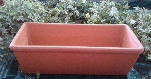 Jardinera de barro de 40 cm