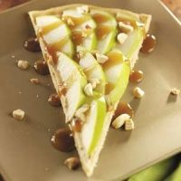 Caramel Apple Cookie Pizza: Easy to make, tasty sounding dessert that I should make sometime!