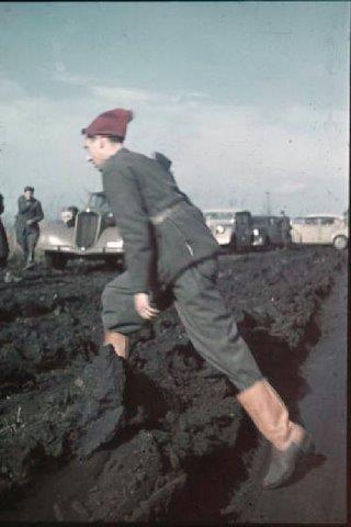 REGIO ESERCITO: italian soldier in Russia WWII, original color photo - pin by Paolo Marzioli