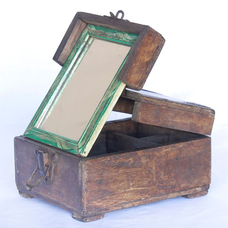 Shaving Box from Scaramanga's vintage furniture and interior collection #vintage #grooming #shave #beard #men #interior #homeinspo #inspiration #vinatge #ideas #homedecorideas #gift #fathersday
