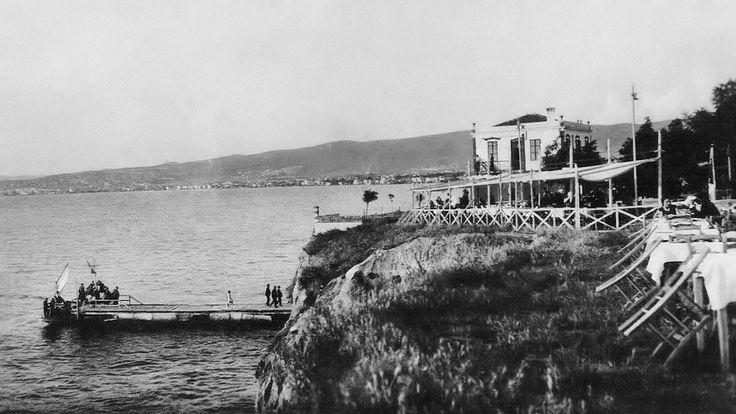Το εξοχικό κέντρο «Καλαμάκι» στην Αρετσού.  Φωτογραφία του Γιώργου Λυκίδη γύρω στο 1930.