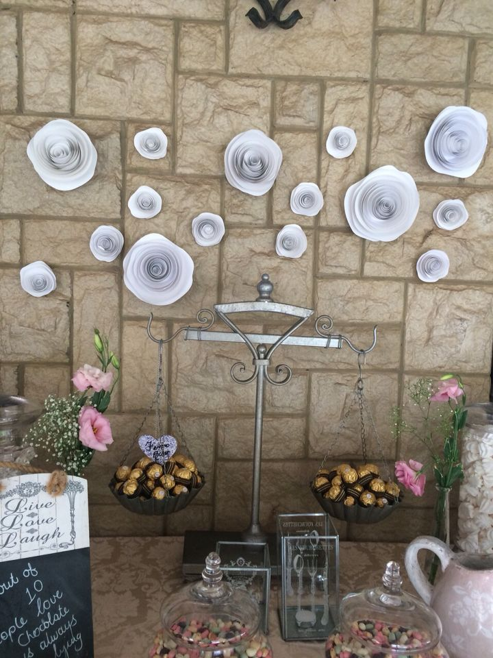 Paper Flowers as background by Karamella Candy