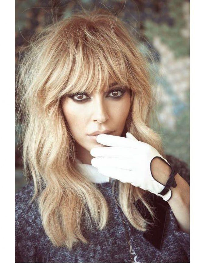 Cheveux longs et frange droite : de retour au top de la tendance - 26 photos - Tendance coiffure