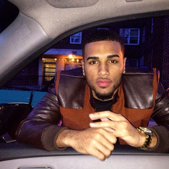 Do anybody know his name?? He so fine