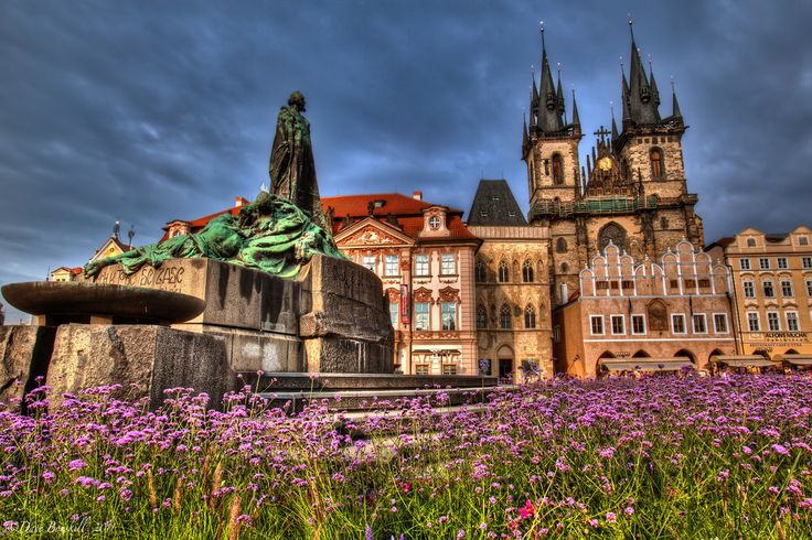 The Martyr Jan Hus in Prague's Old Town Square | The Planet D Adventure Travel Blog