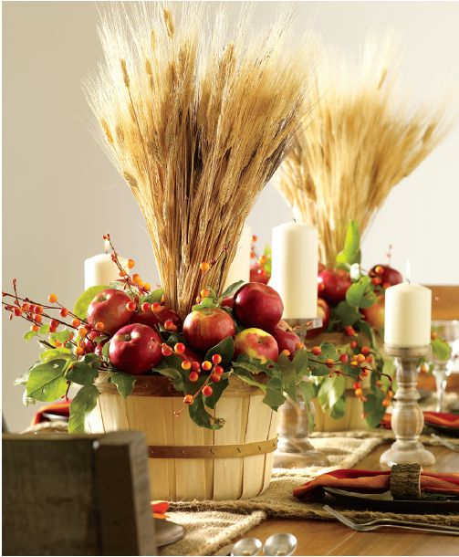 Fill these wooden baskets with skewered seasonal fruit to create an eye-catching #fall #centrepiece.