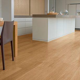 U896 - Natural varnished oak, planks