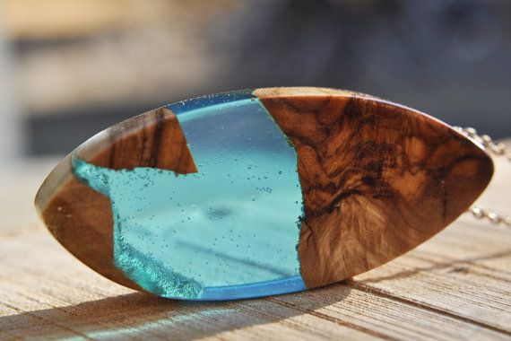 Βlue Resin Wood Necklace Resin Pendant Elegant by MavouShop