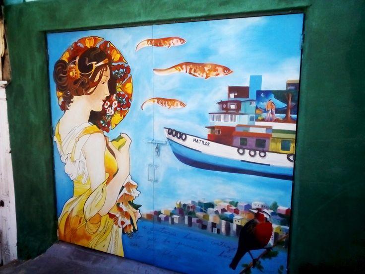 Grafiti of a bird in valparaiso , streetart, painting, art