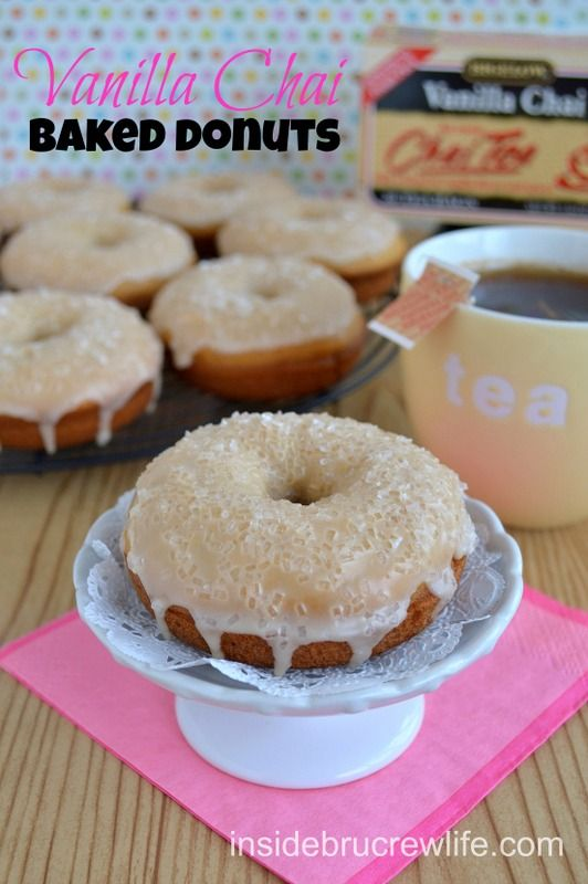 Vanilla Chai Baked Donuts - the flavor from these baked donuts comes from the Vanilla Chai Bigelow Tea infused in the batter...so delicious.  #donuts #americastea #vanillachai @brucrewlife