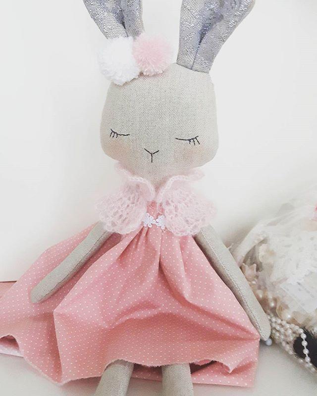 Little bunny girl ! Work still in progress,dressing up...  #bunnydoll #girlsdoll #handmadegifts #christmasgifts #fabricdolls #heirloomdoll #lovehandmade #nursery