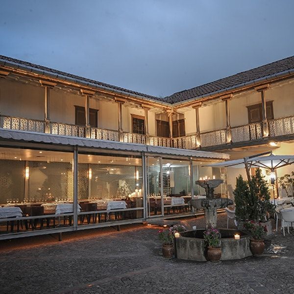 Few places can beat MAP Café for atmosphere. Located in the courtyard ofCuzco's Pre-Columbian art museum (itself housed in a colonial mansion), the restaurantfeatures all-glass walls for a privileged view. The fusion menu matches the ambience, including unique takes on local fa...