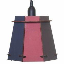 黒板塗装されたおしゃれなランプシェードです。落書きをして世界でひとつのおしゃれなランプシェードに仕上げてください。ホワイトチョーク1本おつけします★サイズ:H165×W190×D190mm材質:シナベニヤソケットコード:50cmソケットコードカラー:ブラック口金サイズ:E26※チョークは濡れ雑巾等で優しく拭いてください。※カラー等ご希望がございましたらお気軽にご相談ください。≪ご注文時、下記項目をご記入ください≫①シェードの配色色の組み合わせを7パターンご用意しております。●黒板塗装4面【赤】×カラー塗装【赤】●黒板塗装4面【青】×カラー塗装【青】●黒板塗装4面【緑】×カラー塗装【緑】●黒板塗装4面【茶】×カラー塗装【黄】●黒板塗装4面【茶】×カラー塗装【茶】●黒板塗装4面【黒】×カラー塗装【茶】●黒板塗装8面【黒】他にも赤の黒板塗装8面などご希望がございましたら対応させていただきます。②配達希望時間帯●なし●午前中●12-14●14-16●16-18●18-20●20-21