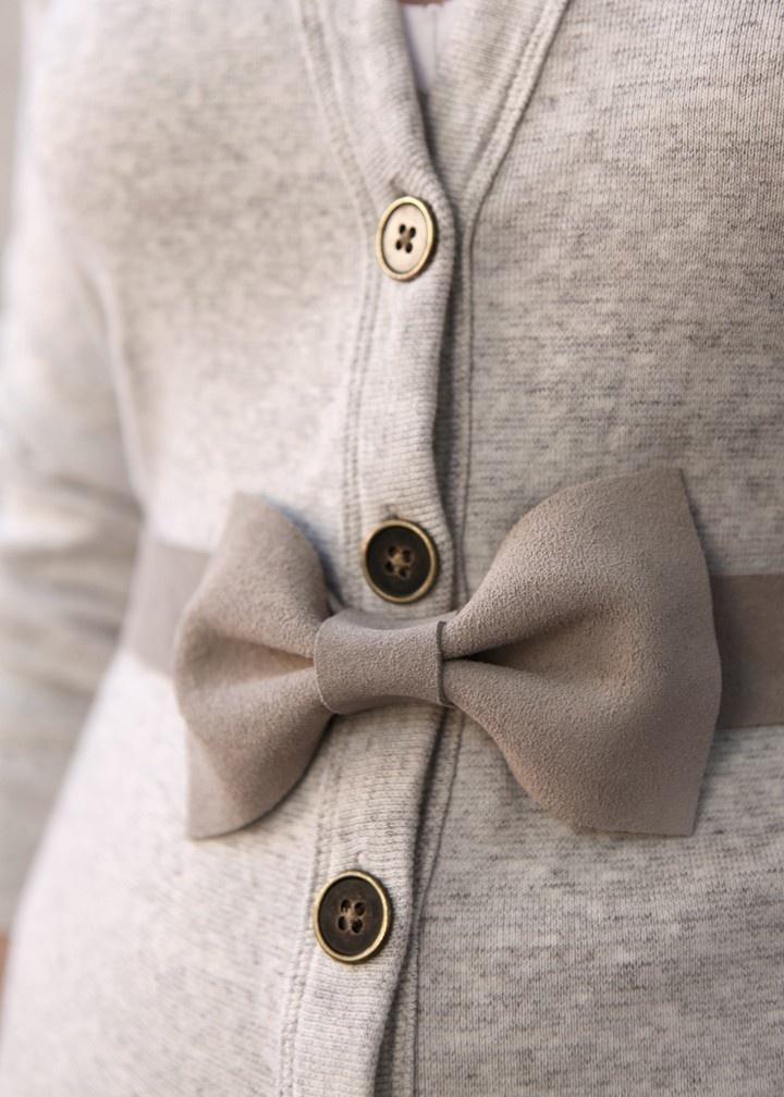Gray Bow Belt: Bows Belts, Fashion Shoes, Decor Ideas, Cute Bows, Diy Fashion, Cute Winter Sweaters, Diy Gifts, Girls Fashion, Cardigans Sweaters
