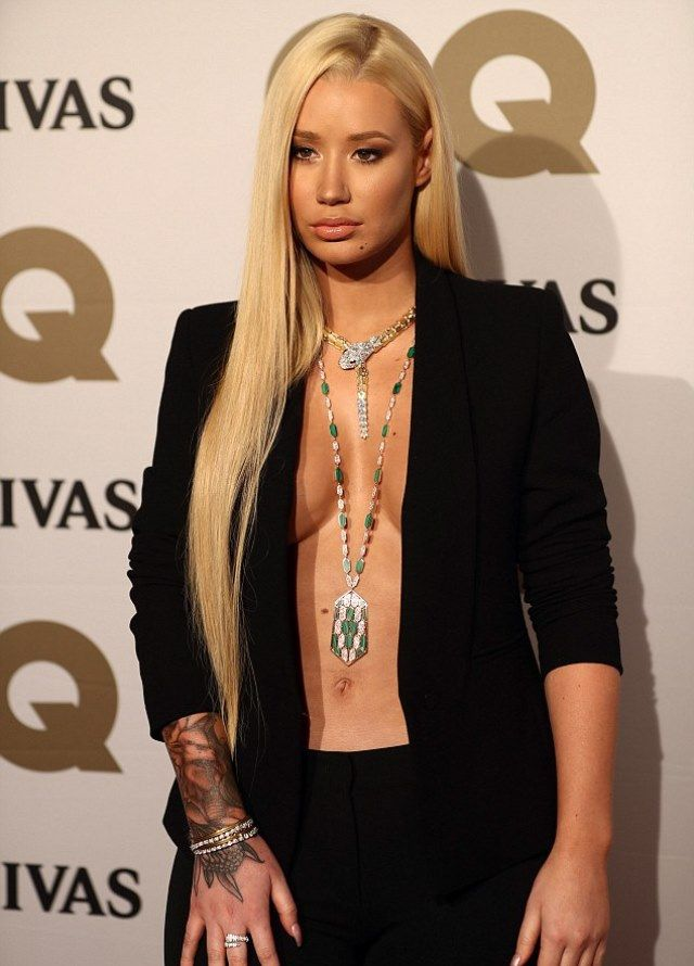#RIHANNA&BEAUTIES Pinterest - @houstonsoho | Iggy Azalea's Braless Look - Love It or Hate It?