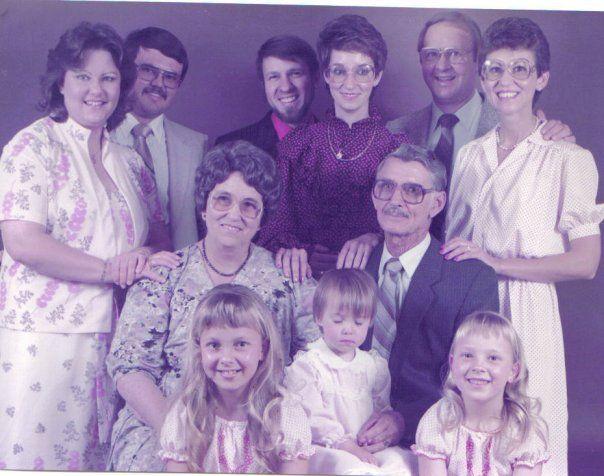 Aa1.3 Zelda en haar man, Aa1.2 Isabel en Haar man Aa1.1 Rita en Mac Middel: Aa1 Non en Tol en kleinkinders