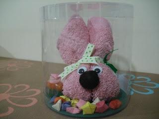 conejita elaborada en toalla rosada y con la tcnica de origami