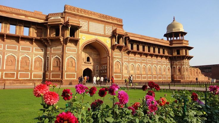 #Golden_Triangle_Tours_4_Days Explore #Delhi, #Agra, #Jaipur in 6 days with #Tours_Craft, book now and get best deals.