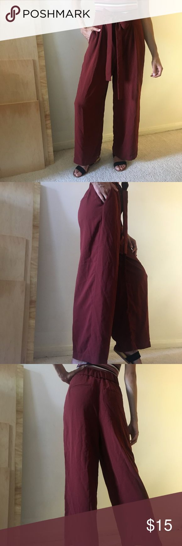 Uniqlo Drape wide leg ankle pant (in stores now!) Perfect condition and never worn! These are perfect for the fall!! Uniqlo Pants Trousers
