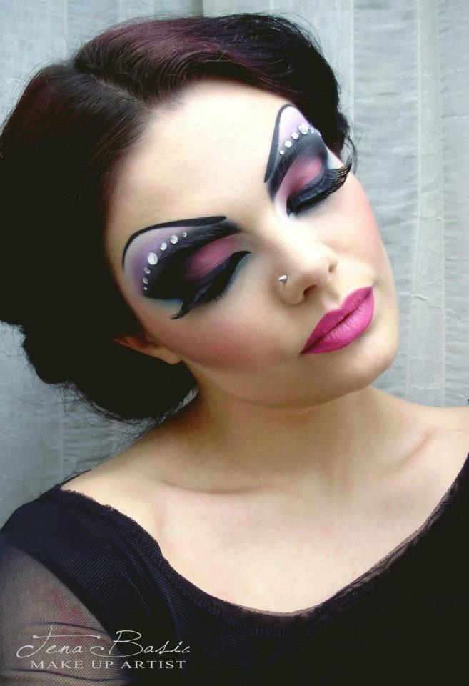 """sarasteller: """" Drag Queen Makeup https://www.facebook.com/TenaBasicMakeUpArtist """" loveeeeeeee"""