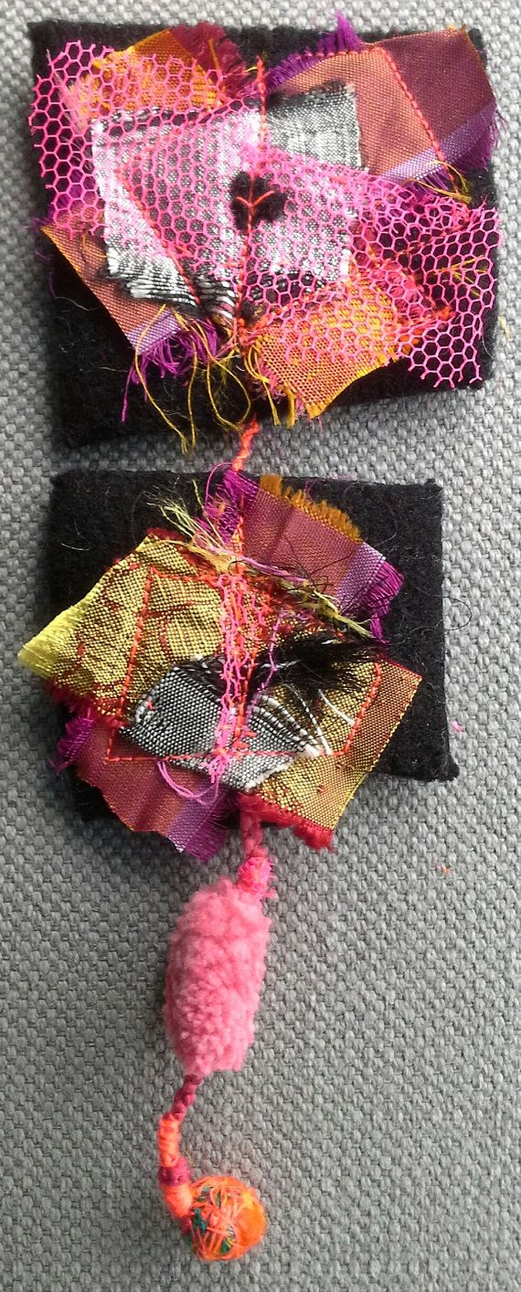Broche textile. Esprit couture. Bijou chic et par VeronikB sur Etsy   OOOOOh... gather wee pieces of all the circus costumes I make and create a small collage. ssj