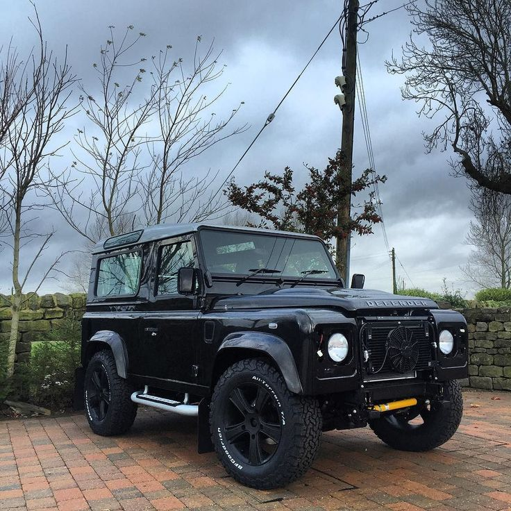 Bespoke 90 build it doesn't have a name yet but this car is going to be huge.  Cleverly built unique cars for individual people.  Bespokecarsuk.co.uk Yorkshire up north in England .  #autobiography #british #bilstein #bespokecars #car #carporn #carinstagram #defender #designer #defenders #defender90 #defender110 #defender130 #exoticcars #f1 #gq #hypebeast #instacars #instagram #instadaily #instadaily #instamessage #landrover #landroverdefender #landroverexperience #mayfair #mechmod #nyc…
