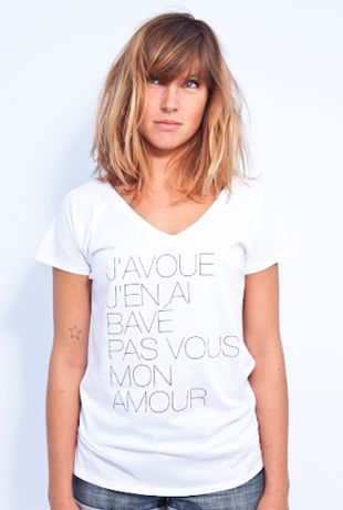 La Javanaise tshirt.  love everything about that photo too. styling, hair, quote, tattoo.  Ça me donne envie de me refaire une frange.