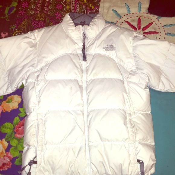 White north face puffy jacket! White warm north face jacket! Very comfy! Size large North Face Jackets & Coats Puffers