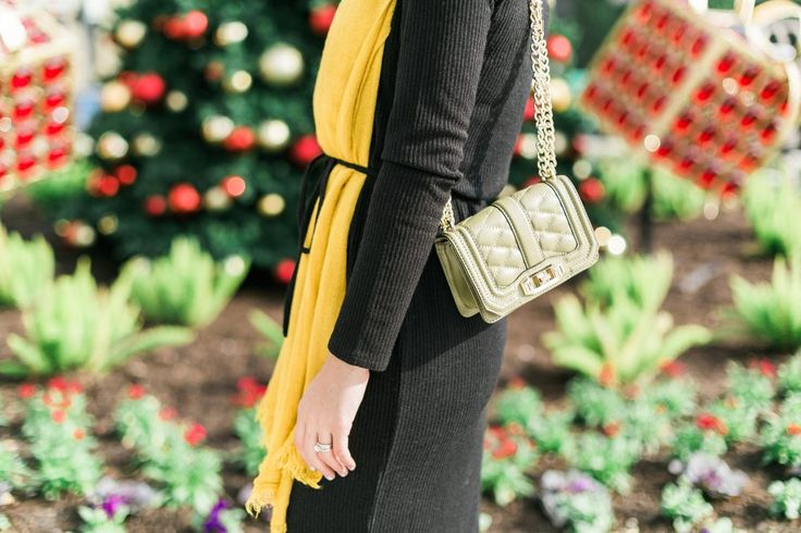 A Holiday Outfit with @oasisfashion   | #LightUpMyStreet | Sweater Dress look | Olive Bag