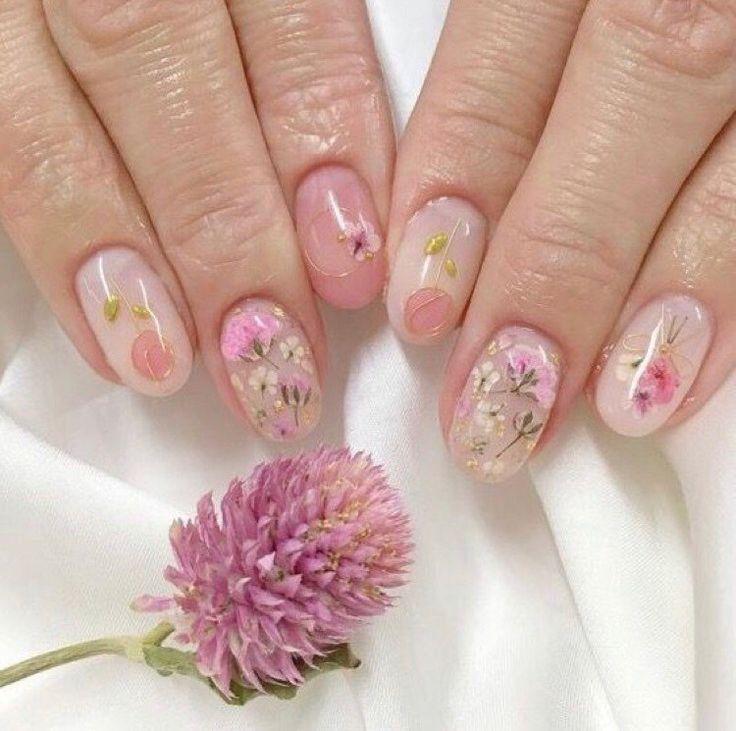 состав примесей весенние рисунки на круглых коротких ногтях фото середине